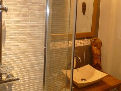R novation salle de bains rouen 76 normandie for Vendeur salle de bain