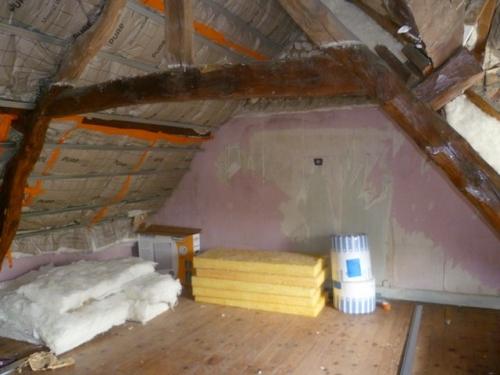 Vieille maison interieur chambre for Renovation interieur maison ancienne